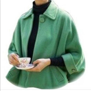 Cabi S M green Wool Carriage Cape Capelet Cute
